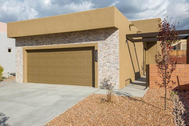 3245 Oakmount Drive SE, Rio Rancho, NM 87124 (MLS #983517) :: Campbell & Campbell Real Estate Services
