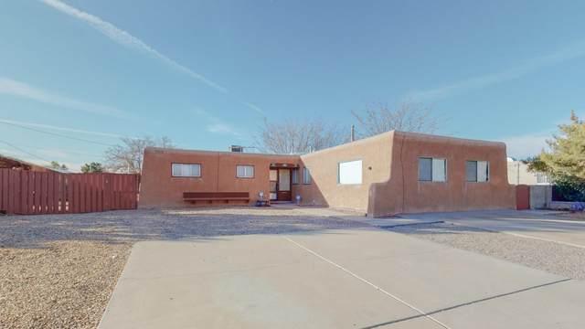 4824 Douglas Macarthur Road NE, Albuquerque, NM 87110 (MLS #983636) :: Keller Williams Realty