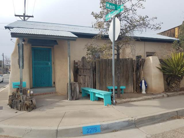 2219 Mountain Road NW, Albuquerque, NM 87104 (MLS #983664) :: Campbell & Campbell Real Estate Services