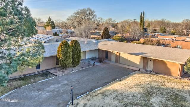6505 Caballero Parkway NW, Los Ranchos, NM 87107 (MLS #983714) :: The Buchman Group