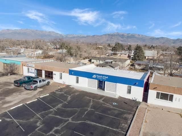 516 Chama Street NE, Albuquerque, NM 87108 (MLS #983753) :: The Buchman Group
