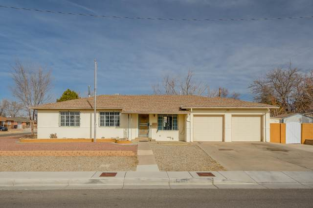 7805 Cutler Avenue NE, Albuquerque, NM 87110 (MLS #983860) :: Keller Williams Realty