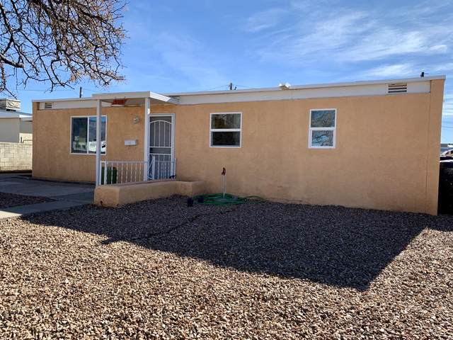 5114 Cherokee Road NE, Albuquerque, NM 87110 (MLS #983866) :: Keller Williams Realty