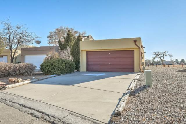 632 Lakeview Circle SE, Rio Rancho, NM 87124 (MLS #983873) :: Campbell & Campbell Real Estate Services