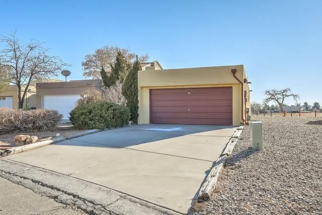 632 Lakeview Circle SE, Rio Rancho, NM 87124 (MLS #983873) :: The Buchman Group