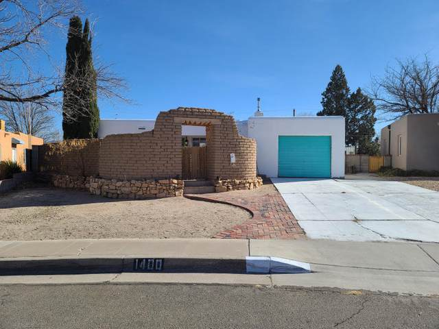 1400 Quincy Street NE, Albuquerque, NM 87110 (MLS #983887) :: Keller Williams Realty