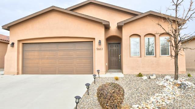 5663 Cold Creek Avenue NW, Albuquerque, NM 87114 (MLS #983956) :: Keller Williams Realty