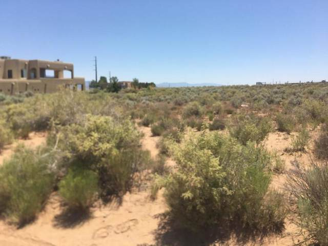 16 4th Avenue NE, Rio Rancho, NM 87124 (MLS #984035) :: The Buchman Group