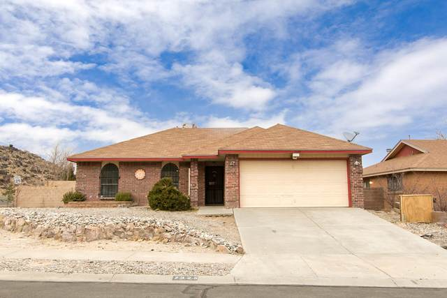 7325 Bangor Avenue NW, Albuquerque, NM 87120 (MLS #984062) :: The Bigelow Team / Red Fox Realty