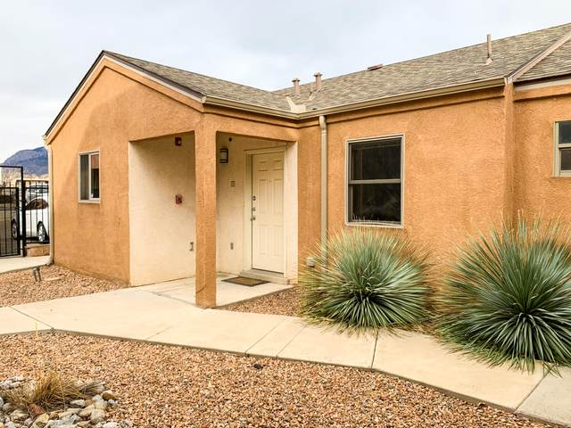 2401 Chelwood Park Boulevard NE A, Albuquerque, NM 87112 (MLS #984183) :: Campbell & Campbell Real Estate Services