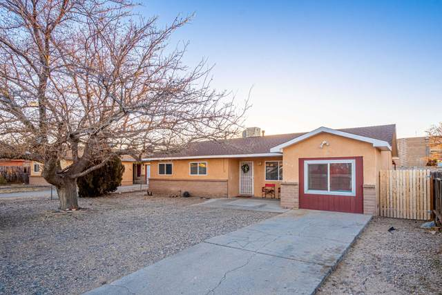 317 Dorothy Street NE, Albuquerque, NM 87123 (MLS #984192) :: The Bigelow Team / Red Fox Realty