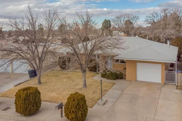 9917 Toltec Road NE, Albuquerque, NM 87111 (MLS #984318) :: Berkshire Hathaway HomeServices Santa Fe Real Estate