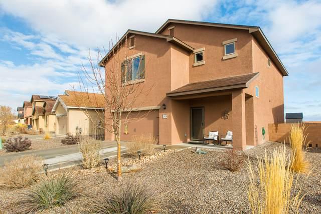 2924 Tierra Dorado Drive SW, Albuquerque, NM 87121 (MLS #984324) :: Berkshire Hathaway HomeServices Santa Fe Real Estate