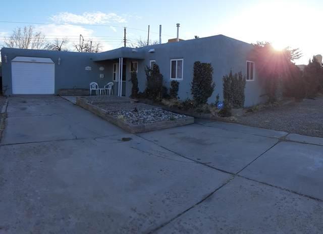 7742 Haines Avenue NE, Albuquerque, NM 87110 (MLS #984335) :: Keller Williams Realty
