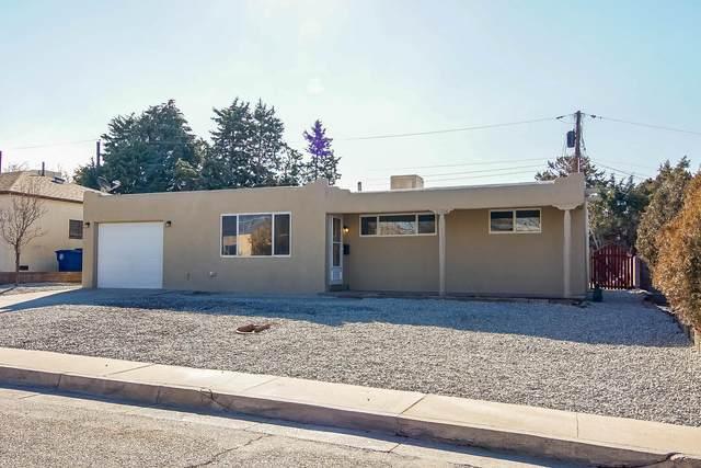 11204 Arvada Avenue NE, Albuquerque, NM 87112 (MLS #984343) :: Keller Williams Realty