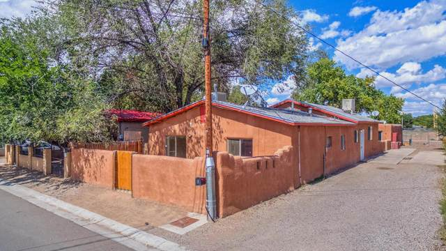 1401 Trujillo Road SW, Albuquerque, NM 87105 (MLS #984348) :: Sandi Pressley Team