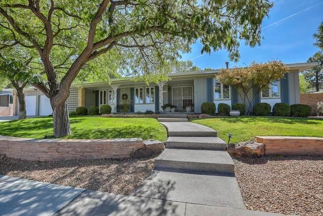 4300 Chinlee Avenue NE, Albuquerque, NM 87110 (MLS #984381) :: The Buchman Group