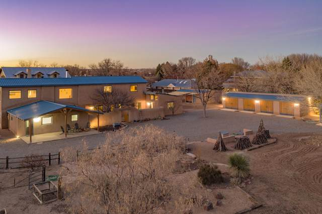 323 Camino Del Oro, Corrales, NM 87048 (MLS #984422) :: Campbell & Campbell Real Estate Services