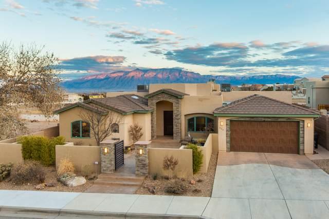 308 Pinnacle Drive SE, Rio Rancho, NM 87124 (MLS #984474) :: The Buchman Group