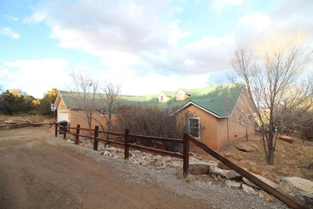 46 Thunder Mountain Road, Edgewood, NM 87015 (MLS #984530) :: The Bigelow Team / Red Fox Realty