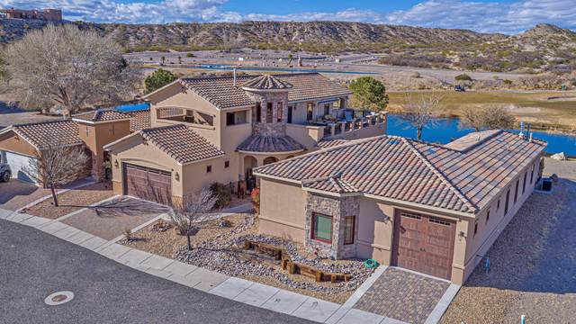 108 Lakeview, Elephant Butte, NM 87935 (MLS #984624) :: The Buchman Group