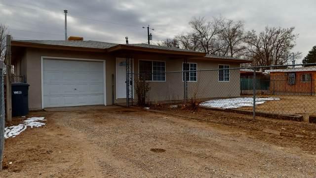 320 Garduno Drive NW, Albuquerque, NM 87114 (MLS #984752) :: The Buchman Group