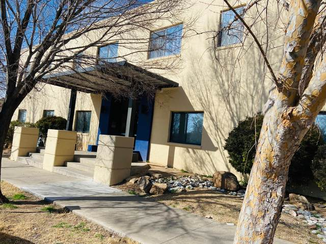 2001 Gold Avenue SE B, Albuquerque, NM 87106 (MLS #984899) :: Keller Williams Realty