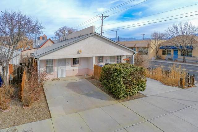 401 Hazeldine Avenue SW B, Albuquerque, NM 87102 (MLS #985089) :: The Buchman Group
