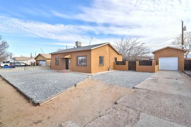 416 59TH Street NW, Albuquerque, NM 87105 (MLS #985256) :: The Buchman Group