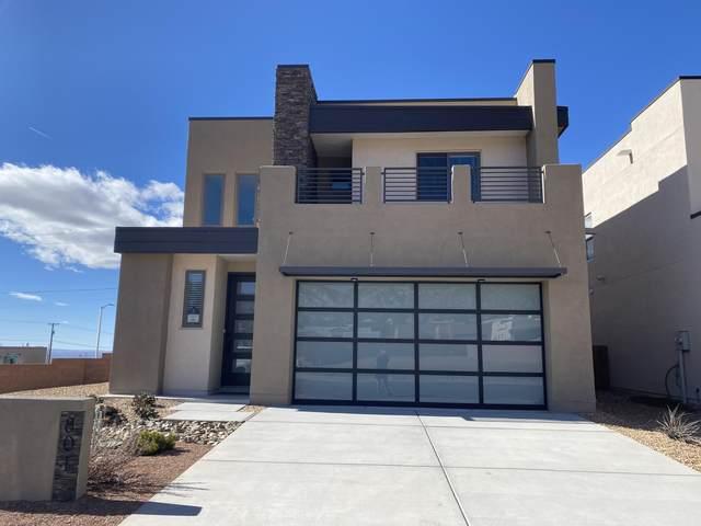 801 Horned Owl NE, Albuquerque, NM 87122 (MLS #985283) :: Sandi Pressley Team