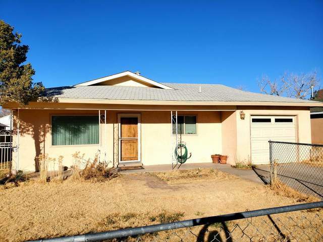 1112 Pinon Court SE, Los Lunas, NM 87031 (MLS #985669) :: The Buchman Group