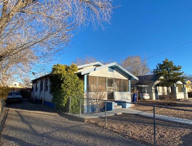 116 Princeton Drive SE, Albuquerque, NM 87106 (MLS #985754) :: Berkshire Hathaway HomeServices Santa Fe Real Estate