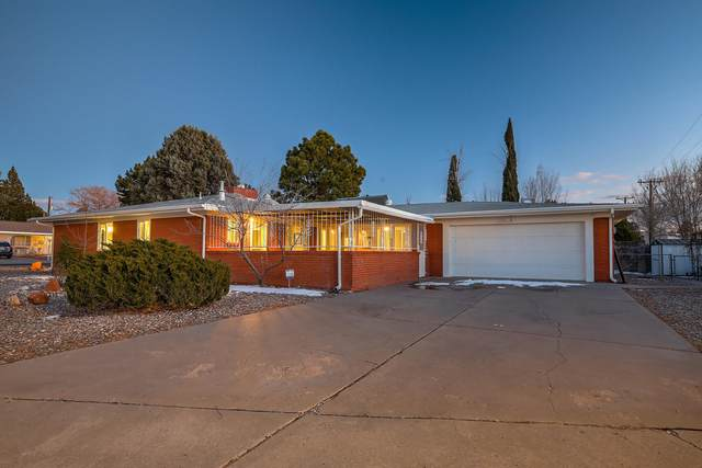 1423 Solano Drive NE, Albuquerque, NM 87110 (MLS #986151) :: Sandi Pressley Team