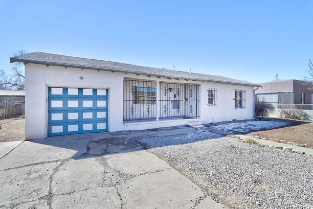 134 Pleasant Avenue NW, Albuquerque, NM 87107 (MLS #986344) :: The Buchman Group