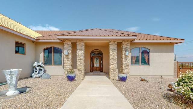 22 Western Trail, Tijeras, NM 87059 (MLS #986384) :: The Buchman Group