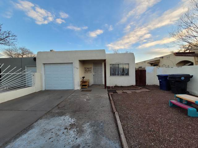 1728 Sirius Avenue SW, Albuquerque, NM 87105 (MLS #986453) :: Campbell & Campbell Real Estate Services