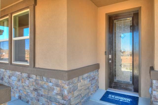 11527 Sandia Sunset Avenue SE, Albuquerque, NM 87123 (MLS #986456) :: The Buchman Group