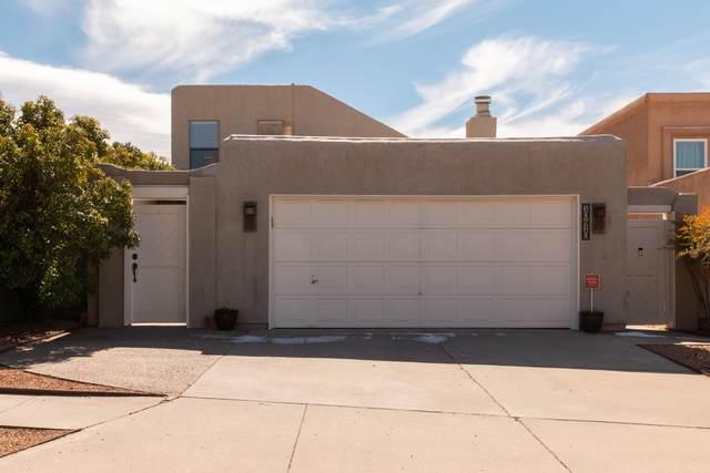 10410 Casador Del Oso NE, Albuquerque, NM 87111 (MLS #986539) :: The Buchman Group