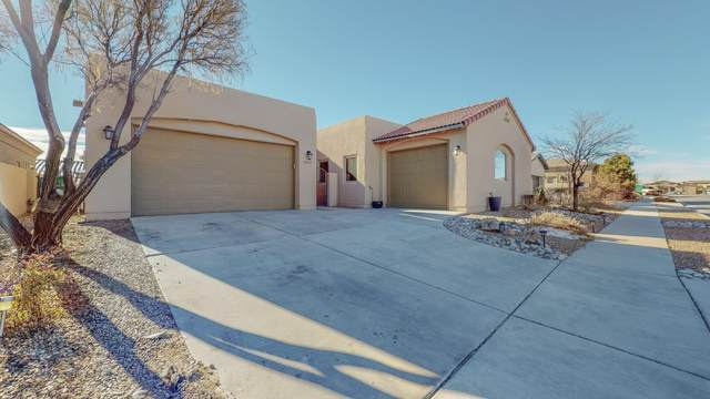2600 La Luz Circle NE, Rio Rancho, NM 87144 (MLS #986573) :: Keller Williams Realty