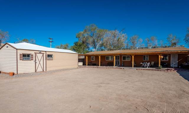 431 Rosemont Avenue NE, Albuquerque, NM 87102 (MLS #986577) :: Keller Williams Realty