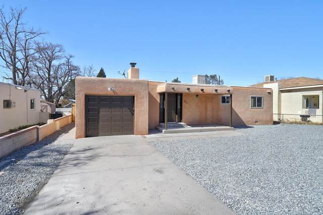 305 Cagua Drive NE, Albuquerque, NM 87108 (MLS #986587) :: The Buchman Group