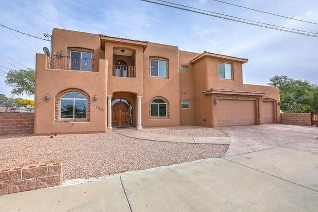 1723 Avenida Los Griegos NW, Albuquerque, NM 87107 (MLS #986892) :: The Buchman Group