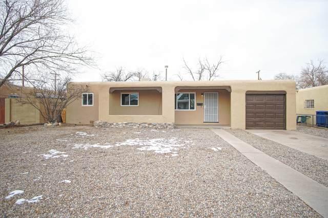 733 Arizona Street SE, Albuquerque, NM 87108 (MLS #986953) :: Sandi Pressley Team