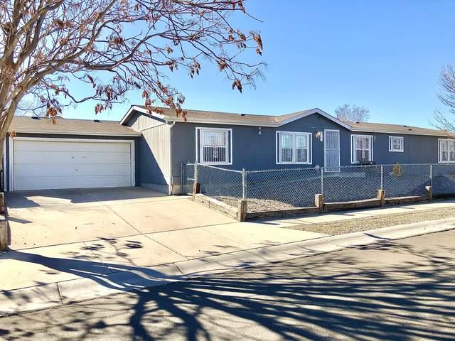 701 Vista Del Pueblo Street SW, Albuquerque, NM 87121 (MLS #986974) :: Berkshire Hathaway HomeServices Santa Fe Real Estate
