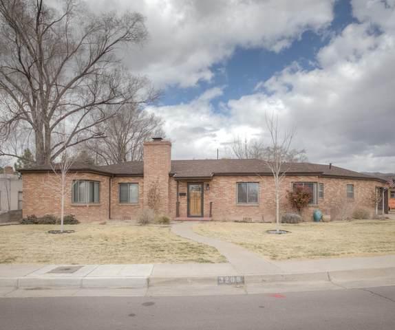 3209 Loma Vista Place NE, Albuquerque, NM 87106 (MLS #987066) :: Keller Williams Realty