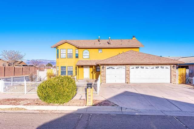 800 Sunrise Drive SW, Albuquerque, NM 87121 (MLS #987076) :: Keller Williams Realty