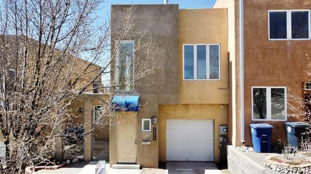 405 Ridge Circle NE B, Albuquerque, NM 87106 (MLS #987256) :: Keller Williams Realty