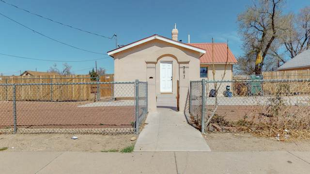 201 Lewis Avenue SE, Albuquerque, NM 87102 (MLS #988197) :: Campbell & Campbell Real Estate Services