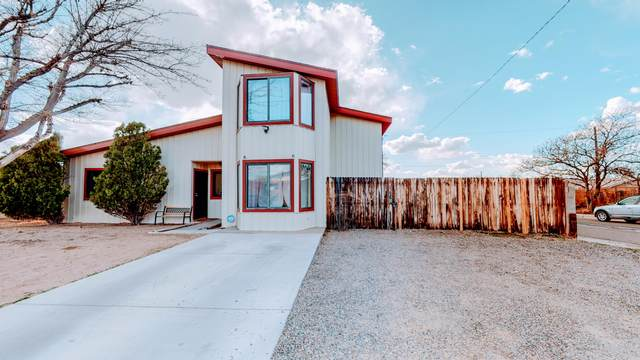 4609 Norma Drive NE, Albuquerque, NM 87109 (MLS #988217) :: The Buchman Group