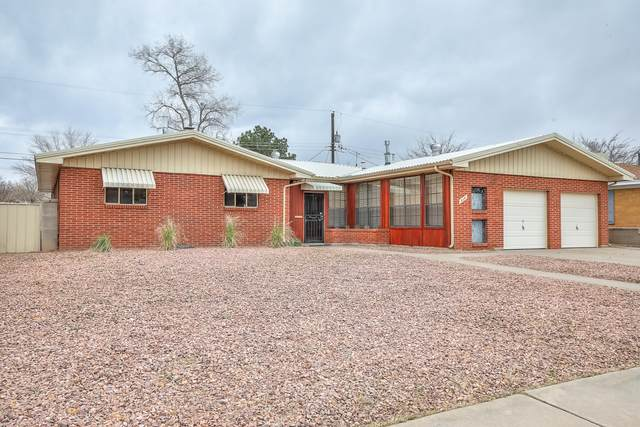 514 Palomas Drive NE, Albuquerque, NM 87108 (MLS #988382) :: The Buchman Group